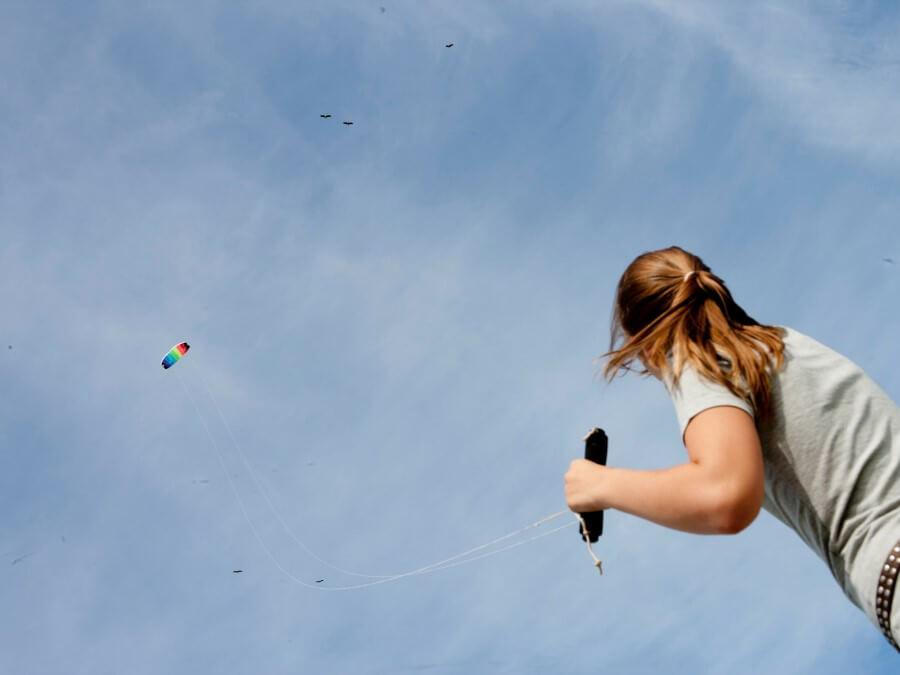 Voor vliegeren is bijna altijd ruimte, leuk om te doen