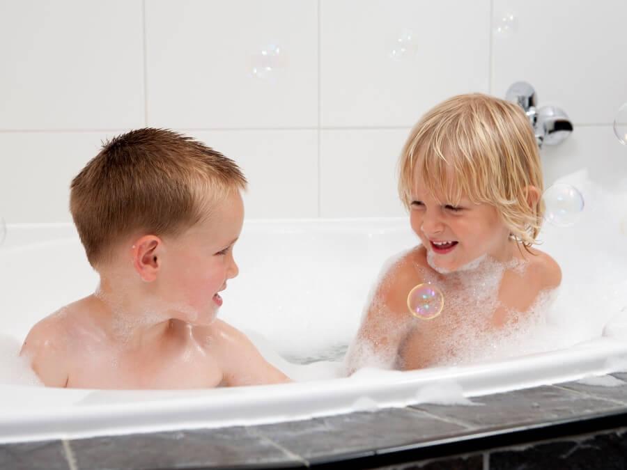 Kinderen vinden het bubbelbad fantastisch
