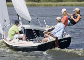 De Friese meren met een randmeer zeilboot