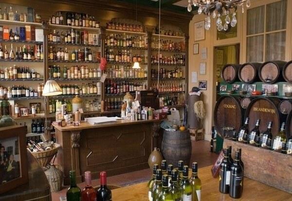 Weduwe Joustra - Beerenburg sinds 1864